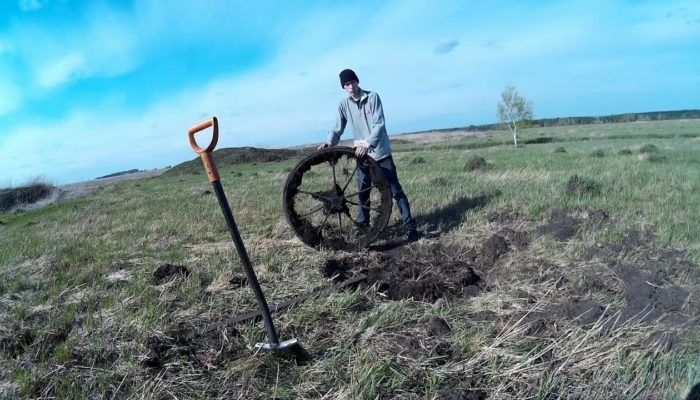 Металлолом на колхозных полях