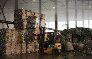 Помещение для переработки пластиковых бутылок
