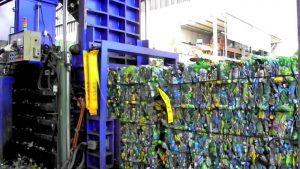 Прессовка пластиковых бутылок