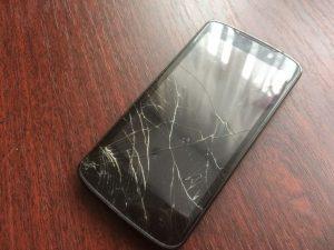 Продажа сломанных телефонов на запчасти