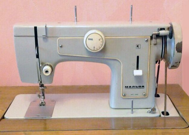 Швейная машинка Мальва