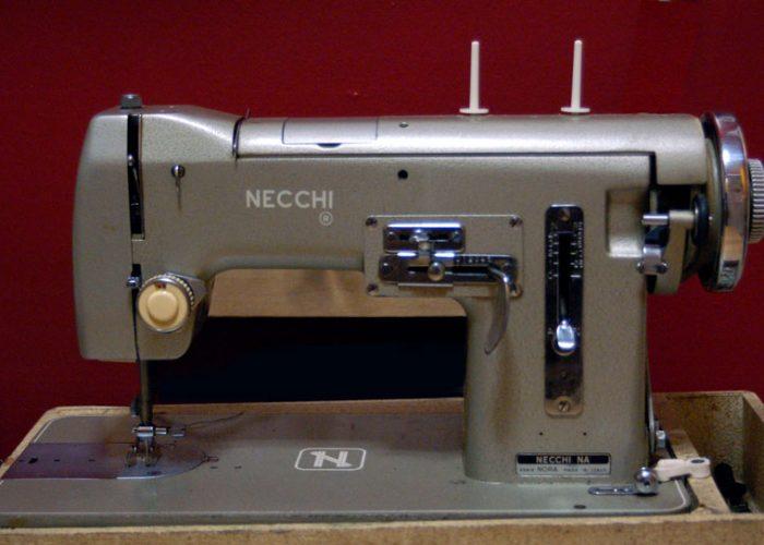 Швейная машинка Necchi
