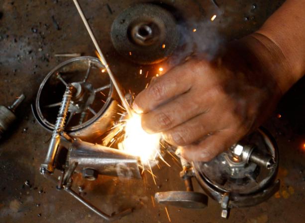 Скрепление поделки из металла сваркой