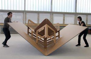 Легкость в перемещении - одна из основных преимуществ картонной мебели