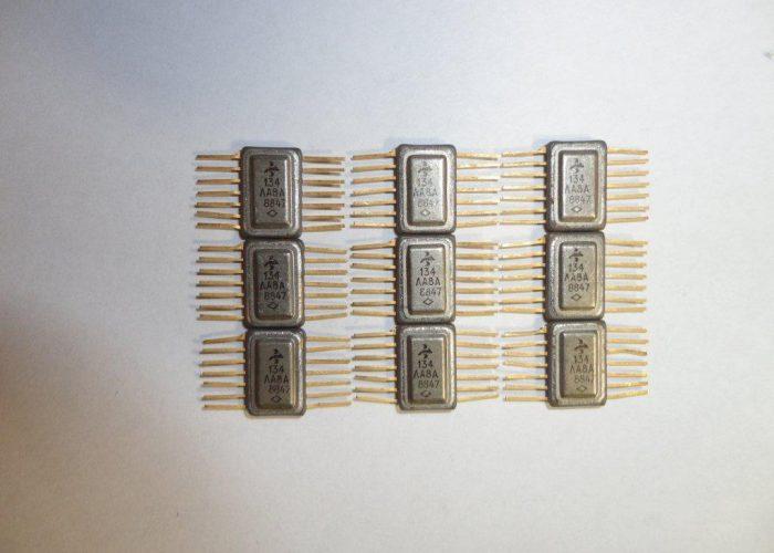 Микросхема 134